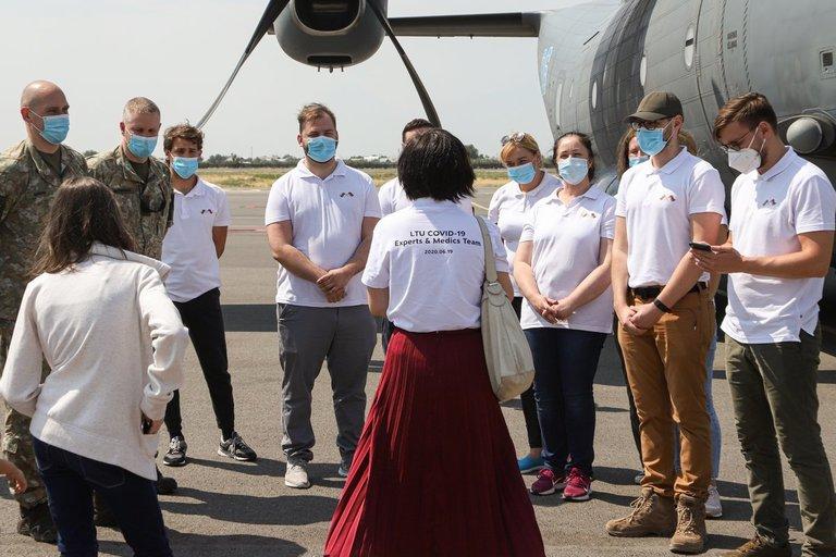 Į Lietuvą grįžo medikų pagalbos misija, padėjusi kovoti su COVID-19 Armėnijoje (nuotr. Organizatorių)