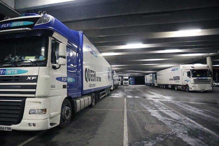"""""""Queen"""" garso technikos sunkvežimiai (nuotr. Organizatorių)"""