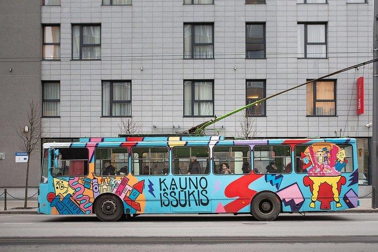 Kaunas atsisveikina su senais troleibusais: paverčia juos meno kūriniais (nuotr. Kauno miesto savivaldybės)