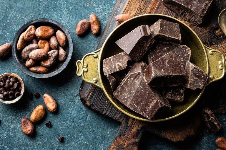 Juodasis šokoladas (nuotr. Shutterstock.com)