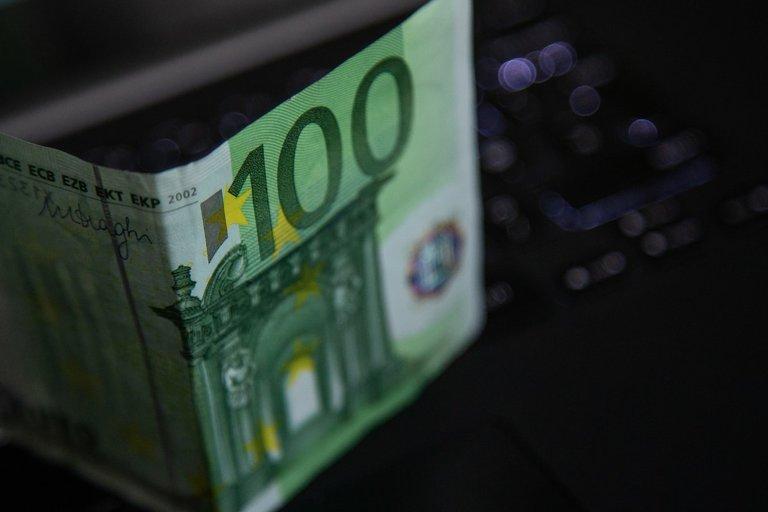 Euro banknotas  (nuotr. Fotodiena.lt)
