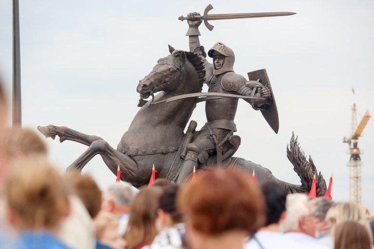 """Skulptūra """"Laisvės karys"""" Kaune (nuotr. Fotodiena.lt)"""