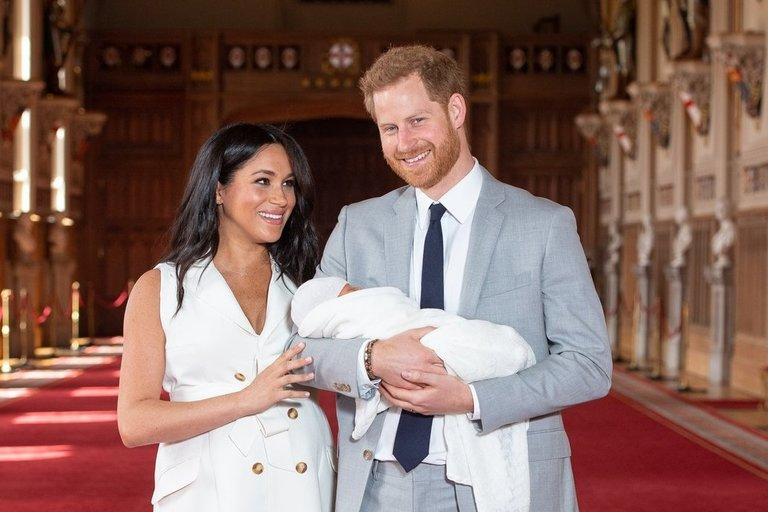 Meghan Markle ir princas Harry su sūnumi Archie (nuotr. SCANPIX)
