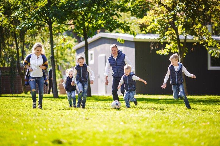 Šeima (asociatyvi nuotr. 123rf.com)