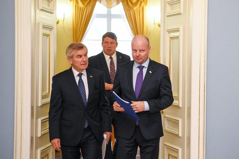 Saulius Skvernelis ir Viktoras Pranckietis (nuotr. Fotodiena/Justino Auškelio)