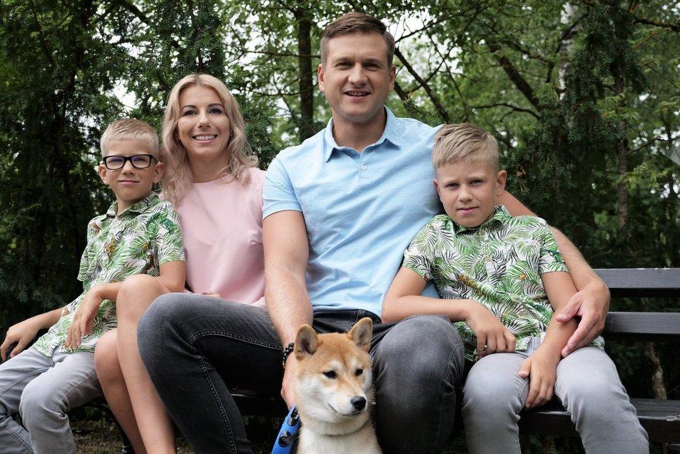 Paulius Morkūnas su žmona Kristina ir sūnumis Emiliu ir Giedriumi (nuotr. Juozo Skaros)