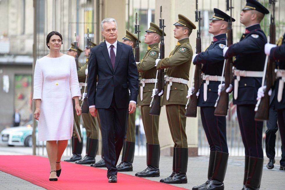 Liepos 9-ąją pirmoji šalies ponia Diana Nausėdienė švenčia 56-ąjį gimtadienį