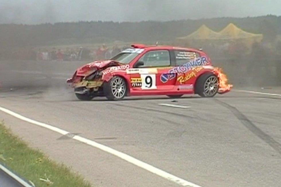 "Degantis ""Renault Clio"" (nuotr. stop kadras)"