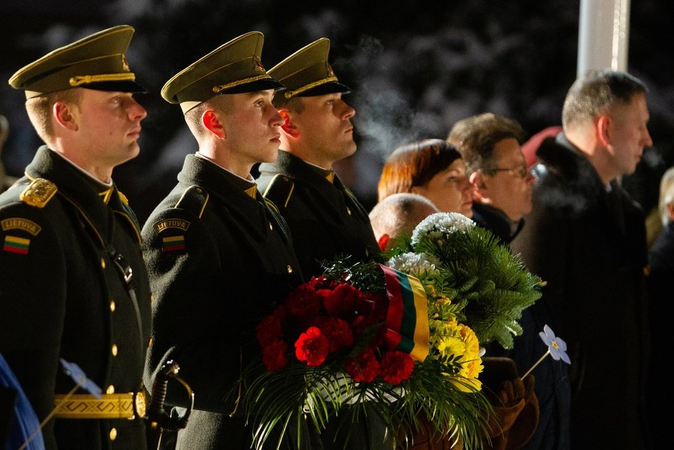 Atminimo laužai Sausio 13-osios aukoms (Irmantas Gelūnas/Fotobankas)