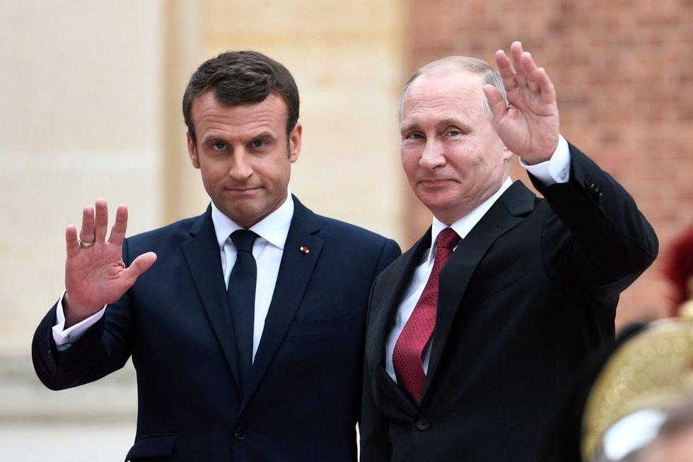 Emmanuelis Macronas ir Vladimiras Putinas (nuotr. SCANPIX)
