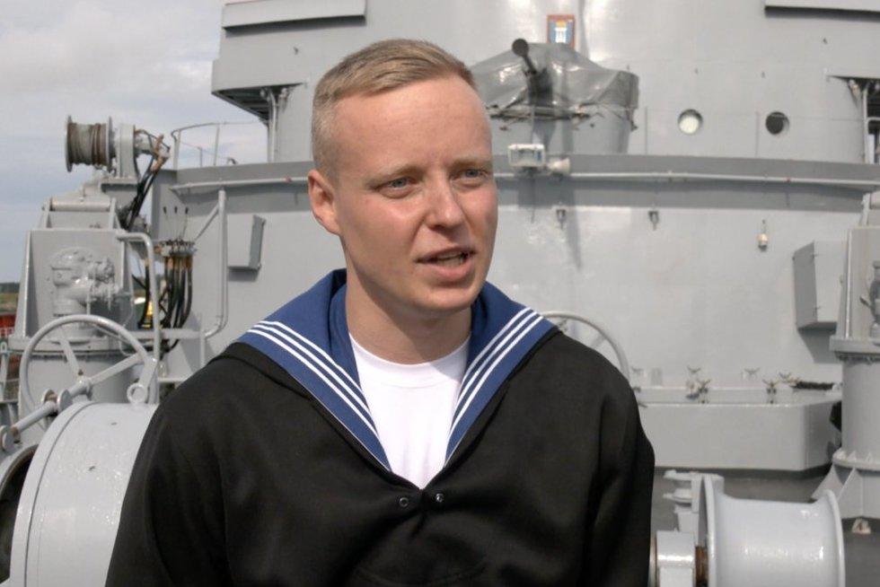 Jūrų pajėgos švenčia gimtadienį: papasakojo apie buitį laive, jūros ligą ir pratybas (nuotr. stop kadras)