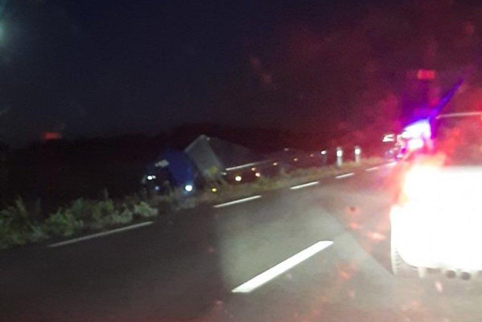 Nelaimė Plungės rajone: per avariją žuvo 2 žmonės (nuotr. facebook.com)
