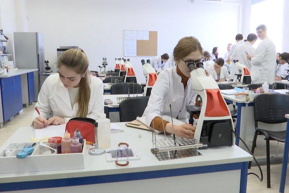 Vilniuje mokytis mediciną tampa įdomiau: rekordiškai daug žmonių po mirties nori aukoti savo kūną mokslui (nuotr. stop kadras)