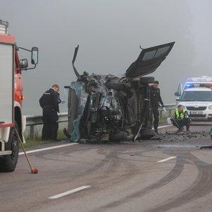 Dėl kraupios avarijos uždarytas kelias Utena-Vilnius
