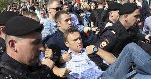 A. Navalno sulaikymas protesto akcijos metu 2018-aisiais (nuotr. SCANPIX)