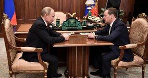 Atsistatydino visa Rusijos vyriausybė (nuotr. SCANPIX)