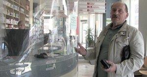 Edvardas kas tris mėnesius mina vaistinės slenkstį: kad atrasti, tenka apsilankyti bent keliose (nuotr. stop kadras)