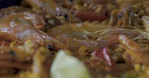 Nesudėtingas paelijos receptas su krevetėmis ir chorizo dešra