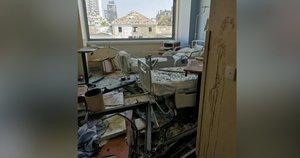 Nufilmavo, kas liko iš ligoninės po pražūtingo sprogimo Beirute: žuvo pacientai ir darbuotojai (nuotr. stop kadras)