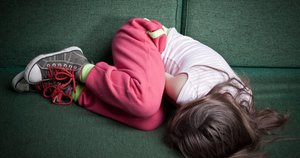 Vaikų prievarta (nuotr. 123rf.com)