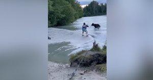 Tokios žvejybos vyras nepamirš niekada – jo laimikį pavogė tiesiai iš po nosies (nuotr. stop kadras)