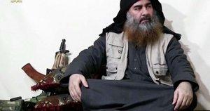 """""""Islamo valstybės"""" lyderis Abu Bakras al-Baghdadi (nuotr. stop kadras)"""