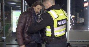 Policijai įkliuvo garsus Kauno dainius: įsivėlė į konfliktą su kontrolierėmis (nuotr. stop kadras)