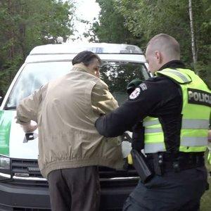 Miesto parke žmones šiurpino įtartinas vyras: pareigūnai reagavo žaibiškai