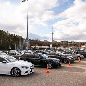 Naudoti automobiliai brangsta: paaiškino, kada pirkti labiausiai apsimoka
