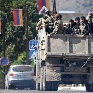 Kalnų Karabache paliaubų nepaisoma, toliau vyksta pajėgų susidūrimai