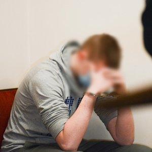 Atversta 15-metės nužudymo byla: 16-metis apklausiamas teisme