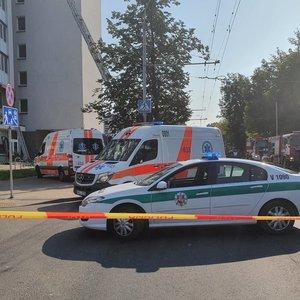 Sostinės daugiabutyje – sprogimas: pranešama apie 1 sužeistąjį