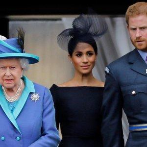 Princas Harry ir vėl pateko į nemalonumus: karalienė jo laukia grįžtančio