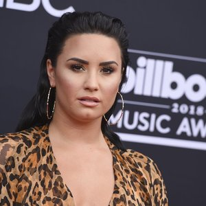 Skandalingos praeities Lovato laužo standartus: prabilo apie sveikatos sutrikimą