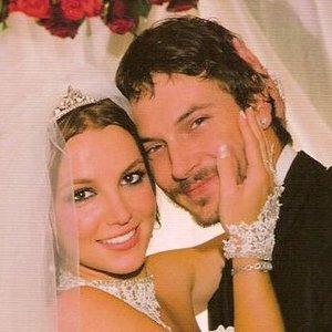 Neįtikėtina istorija: Britney Spears po skyrybų su vyru vestuvinę suknelę nusprendė išnaudoti praktiškai