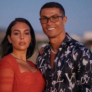 Ronaldo mylimajai įteikė už daugiau nei pusę milijono vertės sužadėtuvių žiedą: pamatykite, kaip jis atrodo