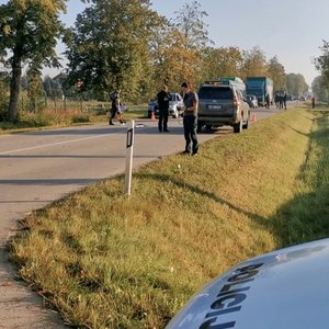 Bendruomenė ir vairuotojas sukrėsti dėl 14-mečio mirties – seniai kovojo dėl perėjos