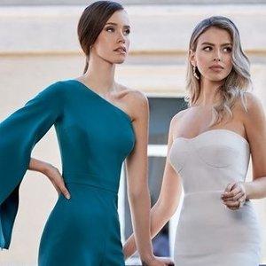 Iš deimantų pasaulio –į kokteilinių suknelių kūrybą: dizainerė, kuri žino, kaip moteriai sublizgėti