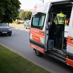 """Vilniuje """"Mercedes"""" vairuotoja perėjoje partrenkė jaunuolį"""