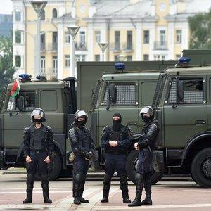 Lukašenka: žmonės su antpečiais pademonstravo ištvermę, drąsą ir vieningumą