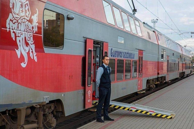 """Hakatonu """"Accessibility in Mobility"""" siekiama keliones traukiniais ir kitu viešuoju transportu pritaikyti skirtingų poreikių turintiems žmonėms. AB """"Lietuvos geležinkeliai"""" archyvo nuotr."""