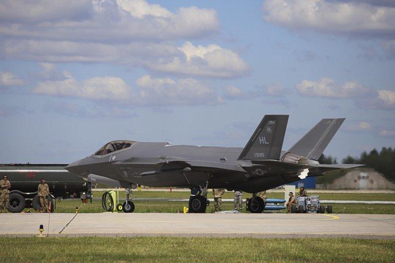 Asociatyvi nuotr. Jungtinių Amerikos Valstijų naikintuvai F-35A Lightning II (nuotr. KAM)