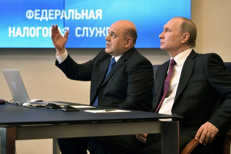 Michailas Mišustinas ir Vladimiras Putinas (nuotr. Scanpix)