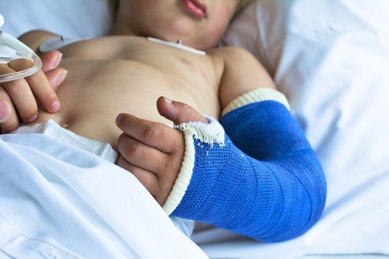 Vaikas ligoninėje (nuotr. Shutterstock.com)