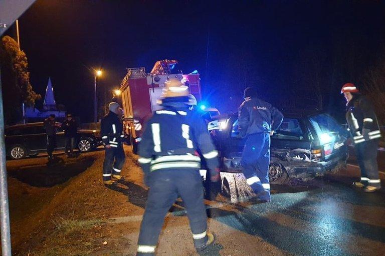 Neramus penktadienio vakaras: pasipylė avarijos, prireikė skubios medikų pagalbos (nuotr. Raimundo Maslausko)