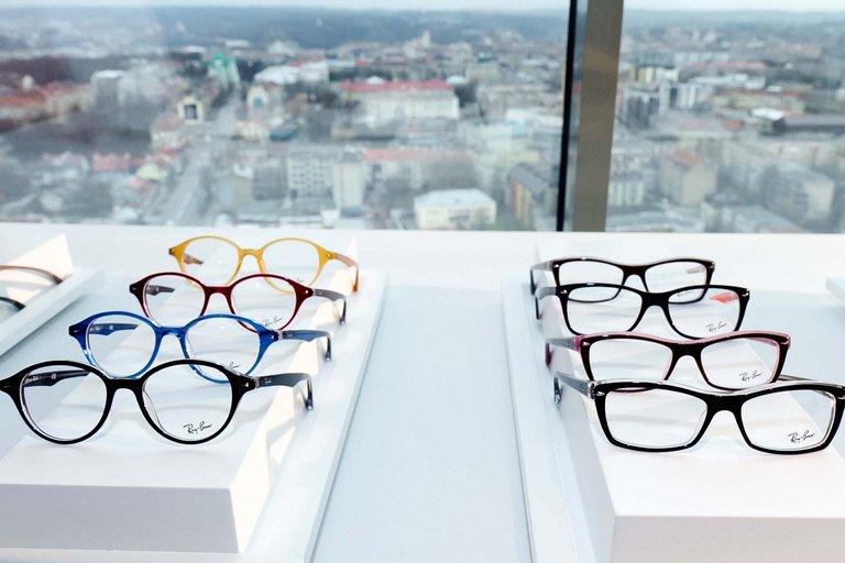 2012 m. pavasario/vasaros prestižinių akinių kolekcijų pristatymas (nuotr. Balsas.lt/Ruslano Kondratjevo)