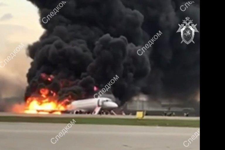 Košmaras Maskvoje: lėktuve sudegė 13 žmonių (nuotr. SCANPIX)