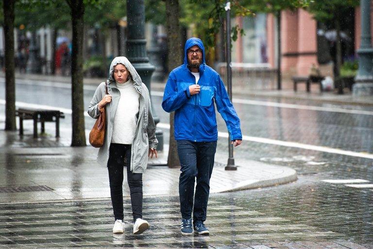 Lietingi orai sostinėje (nuotr. Justinas Auškelis/Fotodiena)
