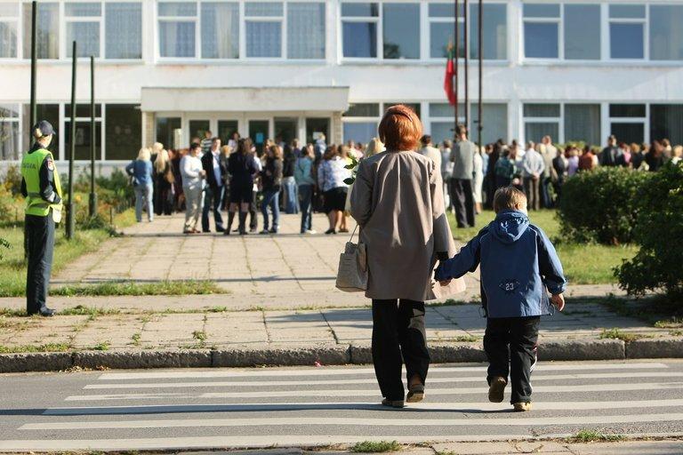 Tėvai su vaikais (Fotobankas)