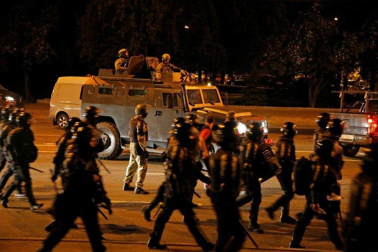 Baltarusijos nakties įvykiai nuotraukų galerijoje (nuotr. SCANPIX)